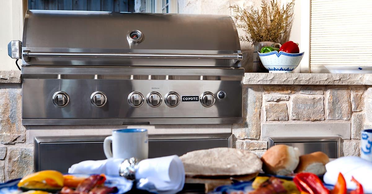 Coyote premium grill