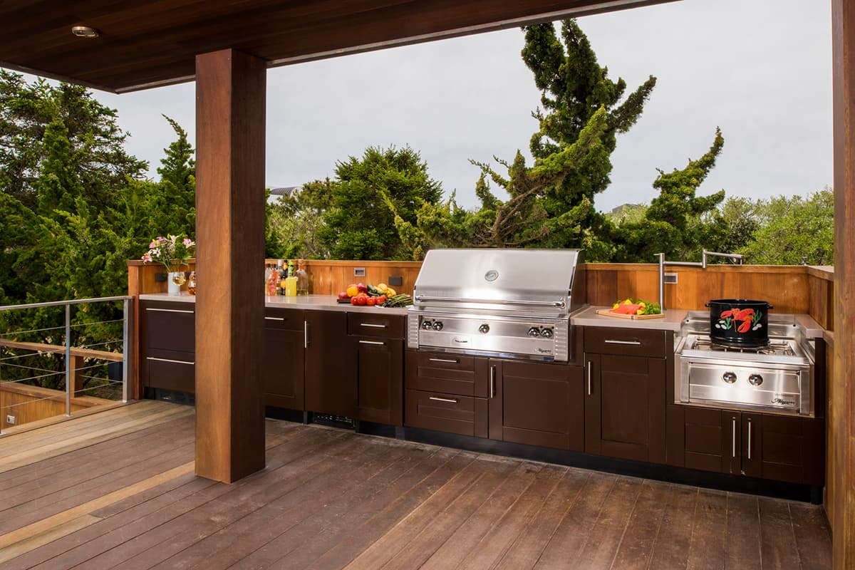 outdoor kitchen on wood deck