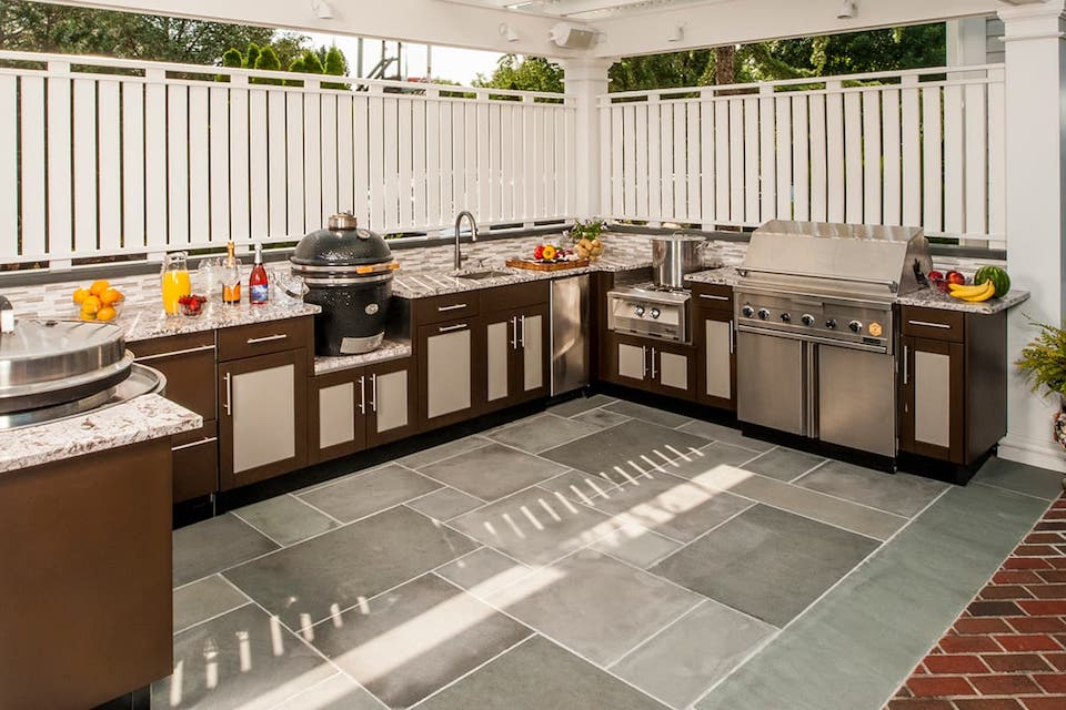 outdoor kitchen for summer grilling