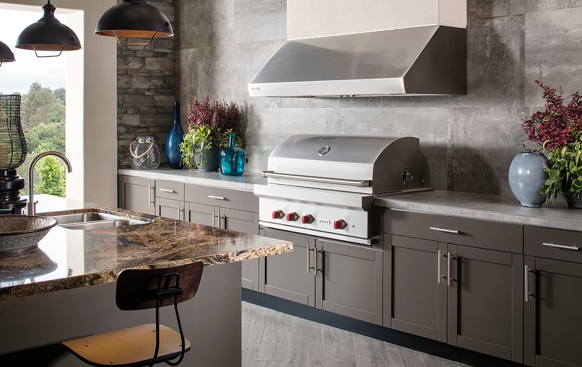 outdoor kitchen company
