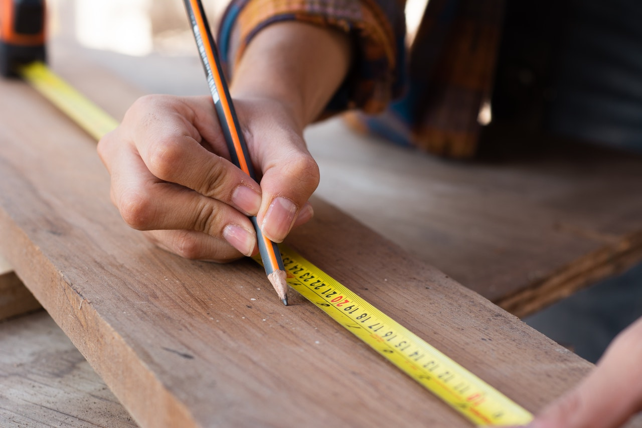 using tape measure while doing DIY project