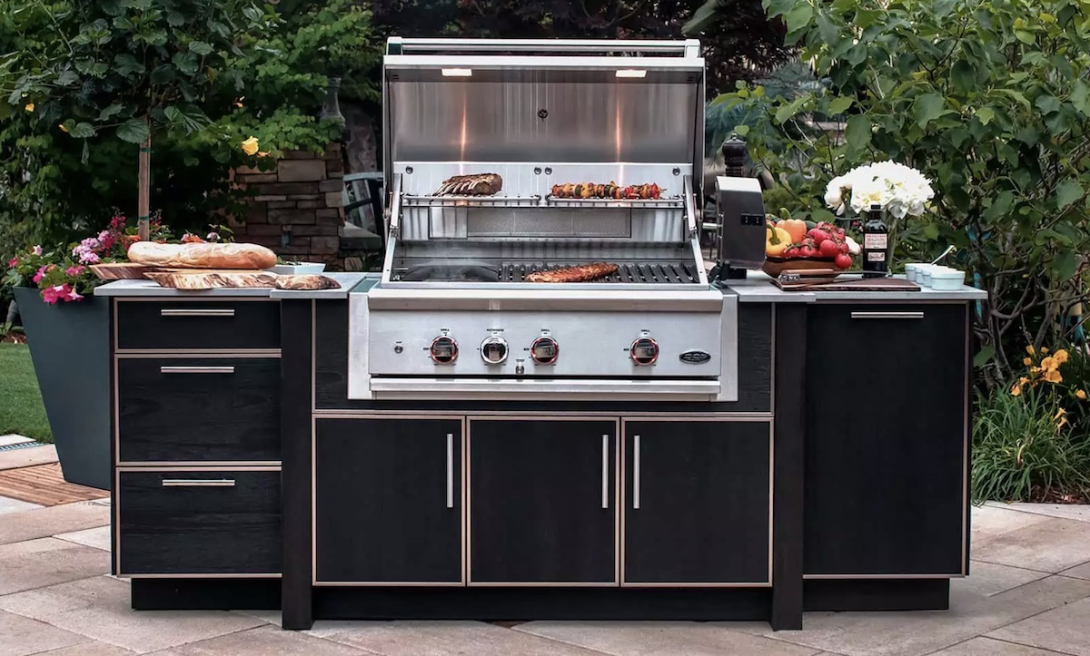 black outdoor grill